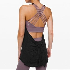 NWT Black/Mulberry Tied-In-Energy 2-in-1 Tank🌟